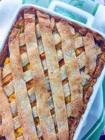Cooking with K: Fresh Peach Cobbler With A Homemade Double Crust {Granny's Recipe} Fresh Peach Cobbler made with a bottom crust and a lattice crust on the top that gives the taste of peach dumplings with every bite! Peach season h… Peach Cobbler Crust, Homemade Peach Cobbler, Fruit Cobbler, Peach Cobbler Recipe Using Pie Crust, Cobbler Dough Recipe, Bisquick Peach Cobbler, Cobbler Topping, Southern Peach Cobbler, Best Peach Cobbler