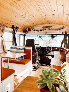 School Bus Tiny House, Old School Bus, School Buses, Bus Living, Tiny House Living, Tyni House, Converted School Bus, Kombi Home, Van Home