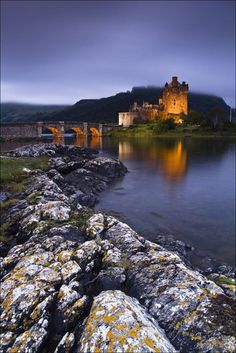Eilean Donan Castle, Scotland photo via claire