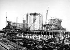 New Orleans Superdome under construction. Louisiana History, Louisiana Homes, New Orleans Louisiana, New Orleans History, Civil Construction, New Orleans Saints Football, New Orleans Mardi Gras, Dere, Crescent City