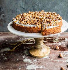 Ihr könnt den Herbst kaum erwarten, denn ihr liebt Kürbis? Dann wird euch dieses Kuchen-Rezept so richtig glücklich machen: ein saftiger