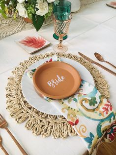 Who is ready for a colorful place setting??? Red Roof, Place Settings, Vintage Furniture, Tablescapes, Plates, Colorful, Tableware, Licence Plates, Dishes