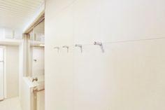 Kylpyhuoneen vaaleat seinälaatat ABL-Laatat #beige #nude #hiekka #laatta #kylpyhuone #abl #abllaatat