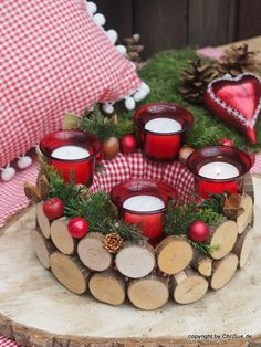 Toller ChriSue Onlineshop Artikel Adventskranz Holzfreund rot Christmas Advent Wreath, Rustic Christmas, Christmas 2019, Diy And Crafts, Christmas Crafts, Christmas Decorations, Holiday Decor, Mini Candles, Scented Candles