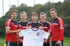 """Sau những màn trình diễn ấn tượng trong màu áo """"The Saints"""", Luke Shaw cuối cùng đã được HLV Roy Hodgson triệu tập vào ĐTQG chuẩn bị cho trận giao hữu với Đan Mạch vào tuần tới. http://ole.vn/bong-da-anh.html"""