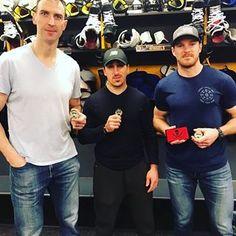 marshand is a dawrf Hockey Stuff, Hockey Teams, Hockey Players, Ice Hockey, Brad Marchand, Boston Bruins Hockey, Pittsburgh Penguins, Boston Red Sox, New England Patriots