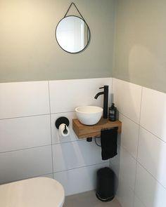 round mirror bathroom \ round mirror & round mirror bathroom & round mirror living room & round mirror entryway & round mirror bedroom & round mirror over fireplace & round mirror decor & round mirror above fireplace