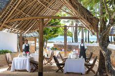 Gorgeous Island setting. Dinner outside with a view. #diamondsresorts #diamonds #honeymoon #travel #beach #beachwedding #weddingideas #weddingtrends #bride #groom #pinterest