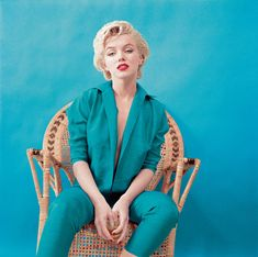 Rare photos of Marilyn Monroe shot by celebrity photographer Milton Greene, restored by his son Joshua Greene. Marylin Monroe, Marilyn Monroe Books, Fotos Marilyn Monroe, Estilo Marilyn Monroe, Marilyn Monroe Style, Marilyn Monroe Outfits, Milton Greene, Brian Atwood, Hollywood Glamour