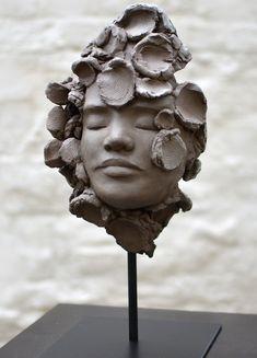 Air  Sculpture grès de Chloé Sontrop www.meltingartgallery.com