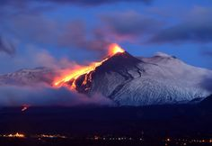 Sicily\'s Catania airport forced to close because of huge plumes of ash in the sky. Etna Eruption, Etna Volcano, Sicily Tourism, Active Volcano, Sicily Italy, Messina, Catania, Olay, Worlds Largest