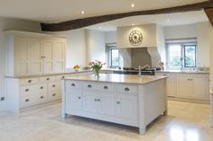 A stunning version of our Grantham kitchen