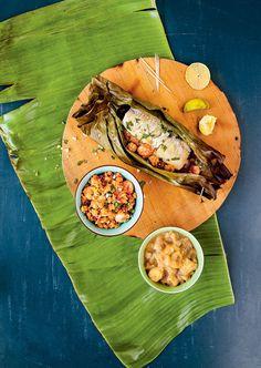 Papillotes de bar, farofa aux crevettes et purée de banane
