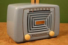 1940's Canadian WESTINGHOUSE model 502R.