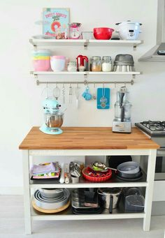 A peek into the kitchen: Baking station - Laura & Bakery Baking Storage, Baking Organization, Kitchen Organization Pantry, Kitchen Storage, Baking Station, Station 1, Home Bakery Business, Kitchen Decor, Kitchen Design