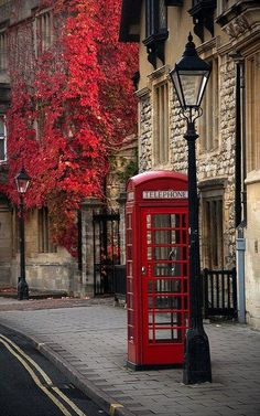 Iconic red telephone box - Oxford England