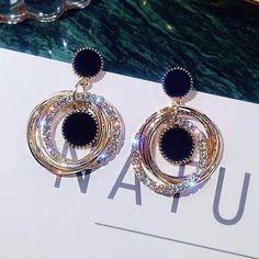 Statement Earrings 2019 Black Square Geometric Earrings For Women Fancy Jewellery, Fancy Earrings, Jewelry Design Earrings, Gold Earrings Designs, Square Earrings, Ear Jewelry, Girls Jewelry, Stylish Jewelry, Simple Earrings