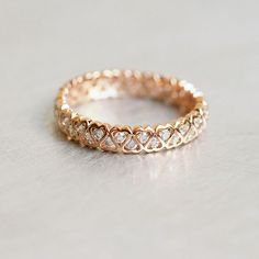 Three Stone Diamond Engagement Rings Set Natural Diamond Ring in Two Tone Gold Flower Engagement Rings - Fine Jewelry Ideas Gold Band Ring, Ring Verlobung, Gold Bands, Vintage Engagement Rings, Diamond Engagement Rings, Ring Rosegold, Gold Rings Jewelry, Gold Bracelets, Gold Earrings