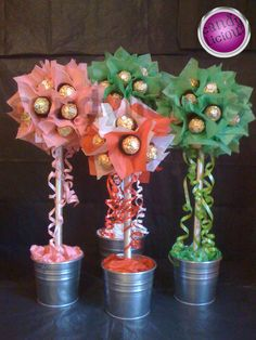 Candy trees - Candylicious by lana Lollipop Bouquet, Cookie Bouquet, Candy Bouquet, Candy Trees, Candy Flowers, Chocolates, Candy Arrangements, Sweet Trees, Edible Crafts