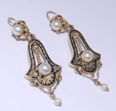 Victorian pearls, enamel and gold.