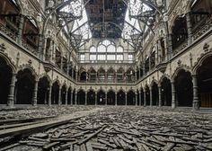 Una camera di Commercio in Belgio abbandonata nel 2003