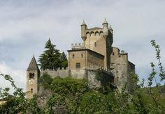 Castello di Saint Pierre, Valle d'Aosta, Italia. 45°42′36″N 7°13′33.6″E