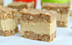 <p> Soft, apple-cinnamon-spiced, grain-free and no-bake bars sandwich a thick layer of creamy vanilla banana-based cream, for a unique and fun dessert that's perfect for warm fall weather. </p>