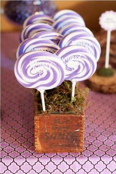 Love is Sweet wedding idea - lollipops as a table decoration/ favor??