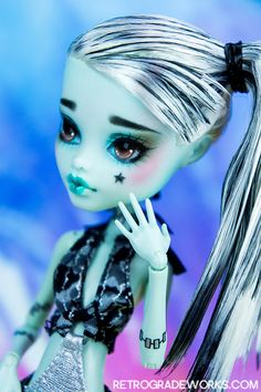 Custom Monster High Frankie Stein Repaint by Retrograde Works thekawaiimachine