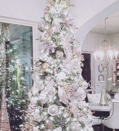 Christmas Decorating by Decor Gold