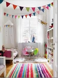 Triangle banner: easy way to add colors in a neutral kid room!