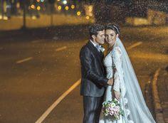 Escolha um Fotógrafo Criativo e qualquer lugar a foto ficará Linda!  Casamento Fernanda e Rafael.