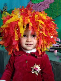 Peruca da Emília (Monteiro Lobato) - da Feira Regional, Escola Integração, ago/2014. School Craft, Recycled Crafts, Diy For Kids, Recycling, Rose, Music, Toddler Activities, Art Classroom, Musica