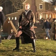 Outlander News, Outlander Casting, Sam Heughan Outlander, Outlander Book Series, Outlander Tv Series, James Fraser Outlander, Popular Book Series, Jaime Fraser, The Fiery Cross