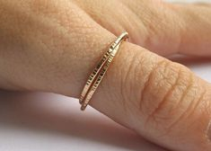 Gold Interlocking Thumb Rings,Thumb Rings,Brass Thumb Ring,Textured Rings,Rolling Ring,Stacking Rings, Minimalist Rings, Unique Rings, Rings