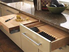 7-sertare sub blatul de lucru din bucatarie pentru pentru organizarea cutitelor
