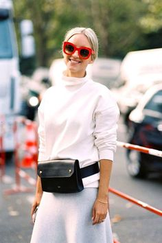 White sneakers have been latest thing the previous couple of years. It's no surprise white boots will be next in line. Like tennis shoes, boots can be… - Lombn Sites Casual Chic Outfits, Fashion Week Paris, Womens Fashion Casual Summer, Curvy Women Fashion, Street Style 2016, White Boots, White Sneakers, Shoes Sneakers, Women's Fashion Dresses