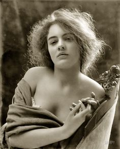 """Thisbe"" circa 1900. This picture is just stunning."