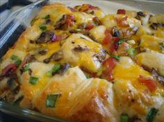 Bacon-Cheese Pull Aparts tablespoons ounce) can pillsbury original flaky refrigerated slices crispy bacon, cooked and broken into o… Breakfast Casserole With Biscuits, Breakfast Dishes, Breakfast Recipes, Breakfast Ideas, School Breakfast, Brunch Dishes, Brunch Ideas, School Lunch, Dinner Ideas
