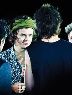 harry and louis do this thing where they stare at eachother really wierdly until the other one notices