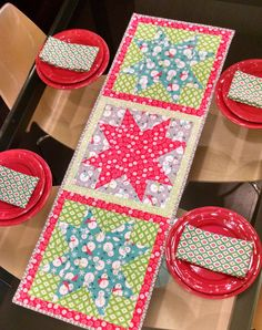 = tutorial = Christmas In July table runner by Nikki - The Girl Who Quilts, featured at Sew In Love With Fabric