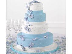 Pastel de boda moderno en fondant color azul y blanco. Pastel blue and white cake.
