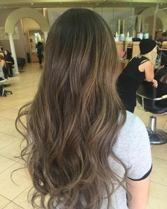 Whether you want your look to be subtle or strong, balayage ,What is balayage hair color? Only the prettiest technique to highlight your hair. What Is Balayage Hair, Hair Color Balayage, Hair Highlights, Mousy Brown Hair, Light Brown Hair, Brown Hair Colors, Hair Colours, Cool Hair Color, Hair Looks