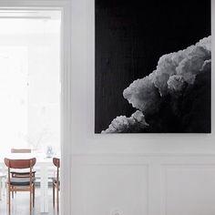 T H I S  pic via @trendenser #interior #interiordesign #art #artwork #blackandwhite #minimal #monochrome #monolife #mono #white #whiteliving #whiteonwhite #homelife #homedecor #homestyle #styling #love #wallart by barklybasics