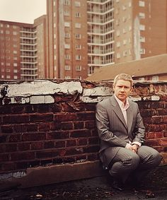"""""""I'm a creature of habit, mashed-potato comfort, I like rugs. Our sofa's squishy. Maybe too squishy - it's hard to get up sometimes."""" - Martin Freeman"""