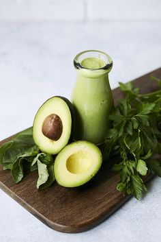 This gorgeous, vibrant Green Goddess Dressing is ready in under 5 minutes and it's loaded with flavor. Serve as a salad dressing, dip, sauce or spread. Avocado Dressing, Salad Dressing Recipes, Salad Recipes, Vegan Recipes, Cooking Recipes, Salad Dressings, Green Goddess Salad Dressing, Goddess Dressing Recipe, Homemade Chicken Salads