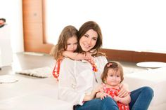 nancy ajram with her children mila & ella this picture is too cute :) Arab Celebrities, Celebs, Nancy Ajram, Hair Color, Hair Beauty, Singer, Couple Photos, My Love, Children