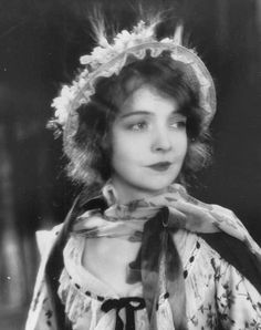 Lillian Gish c. Dorothy Gish, Lillian Gish, Old Hollywood Glamour, Classic Hollywood, Hollywood Hills, Roaring Twenties, The Twenties, The Whales Of August, Mary Robinson