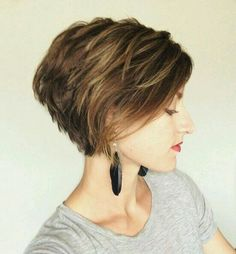 Love Bob hairstyles for women? wanna give your hair a new look? Bob hairstyles for women is a good choice for you. Here you will find some super sexy Bob hairstyles for women, Find the best one for you, Girls Short Haircuts, Short Bob Hairstyles, Medium Hairstyles, Sassy Haircuts, Hairstyles Haircuts, Wedge Hairstyles, Hairstyle Short, Layered Haircuts, Short Stacked Haircuts