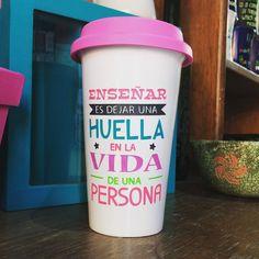 """""""Enseñar es dejar una huella en la vida de una persona"""" #amantesdelcafe #personalizado #metepec #dovanaml"""